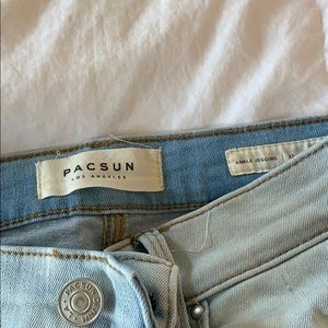 pacsun ripped jeans!! so cute